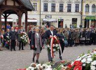 Obchody Święta 3 Maja w Rzeszowie. Kwiaty pod pomnikiem i Apel Pamięci